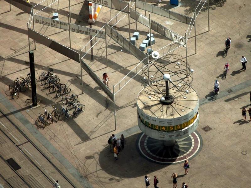 Берлинские часы мира 3