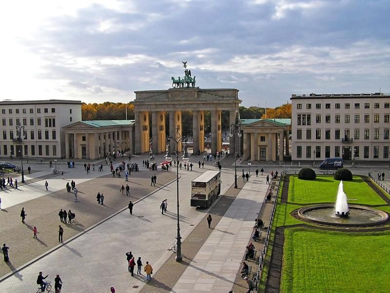 Бранденбургские ворота 10