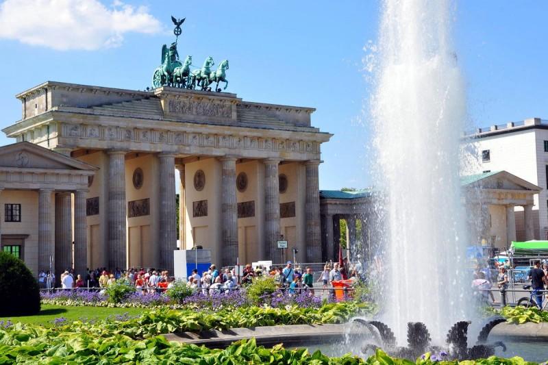 Бранденбургские ворота 9
