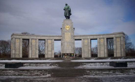 Мемориал павшим советским воинам в Берлине (2)