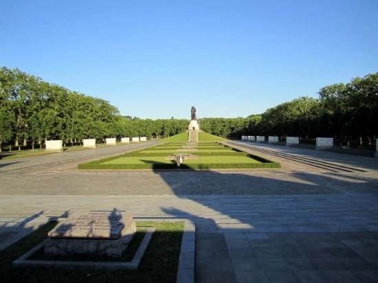 Мемориал павшим советским воинам в Берлине (4)