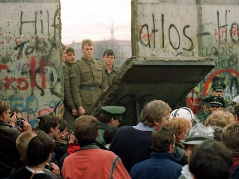 Берлинская стена - падение
